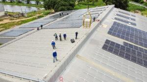 Teruglevering uit zonnepanelen op je logistieke warehouse